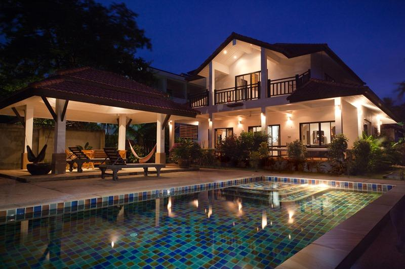 Luxury Pool Villa - Long Beach, Koh Lanta, location de vacances à Ko Lanta