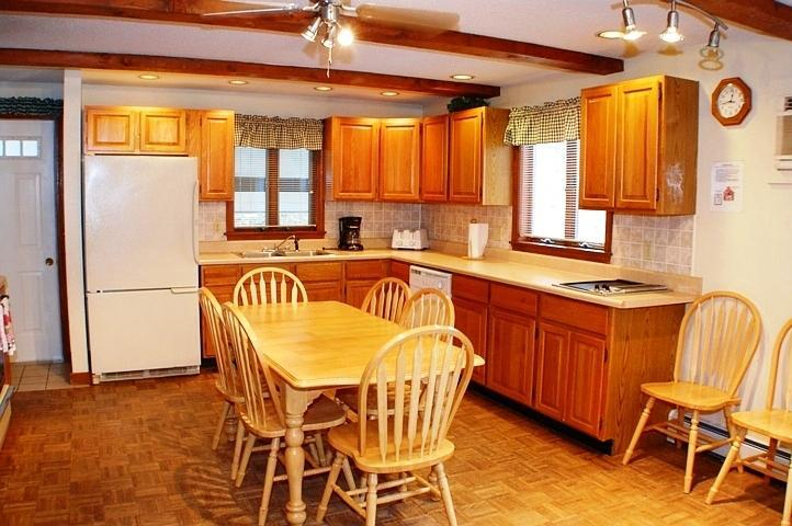 Fully equipped Kitchen including Jen Air Counter top grill