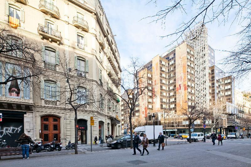 Schöne modernistische Gebäude