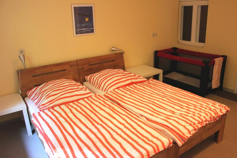 double bed, can be seperated