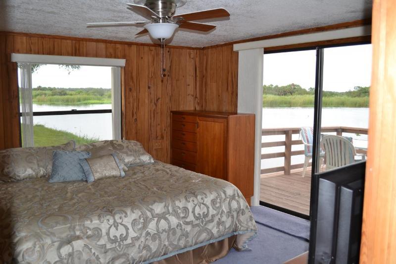 N. cabin interior bedroom