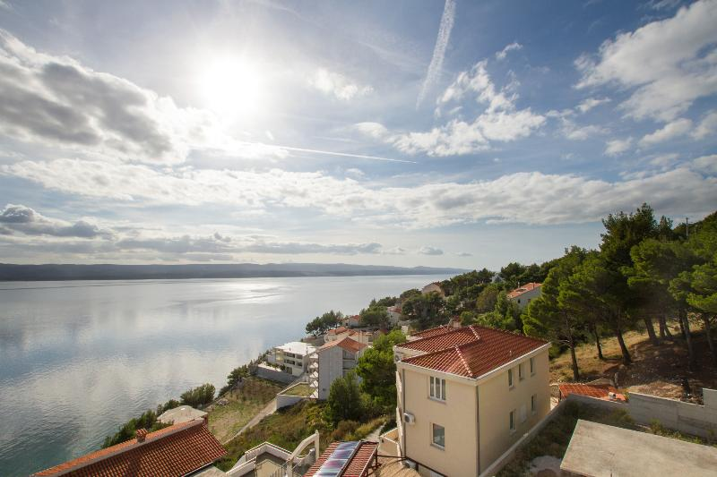 HIPPOCAMPUS - MARUSICI- WOW SEA VIEW!!, holiday rental in Mimice