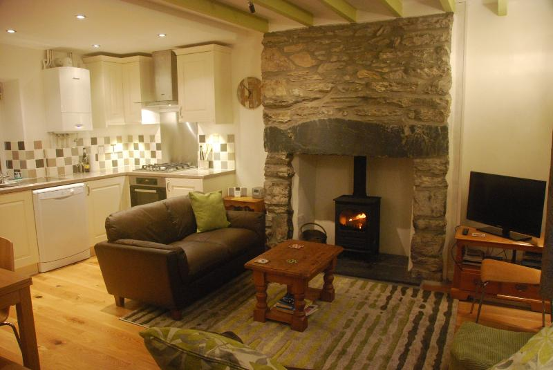 Heart of Snowdonia,  renovated cottage, woodburner, Ferienwohnung in Blaenau Ffestiniog