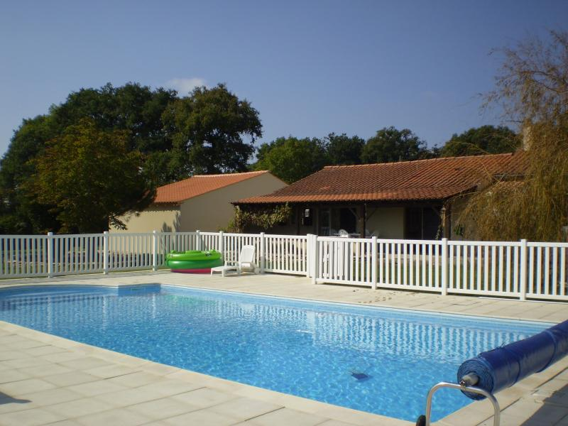 PEACE AND TRANQUILITY IN THE VENDEE, vacation rental in Coulonges sur l'Autize