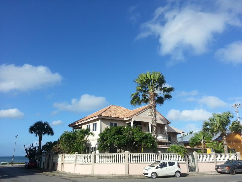 Le Chateau Ocean Villa