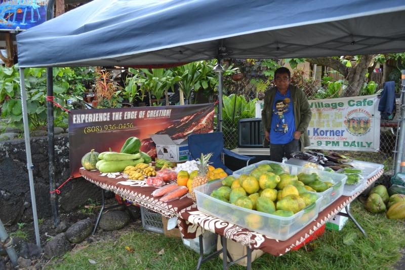Kalapana market every wednesday from 3-10pm. A MUST visit !!