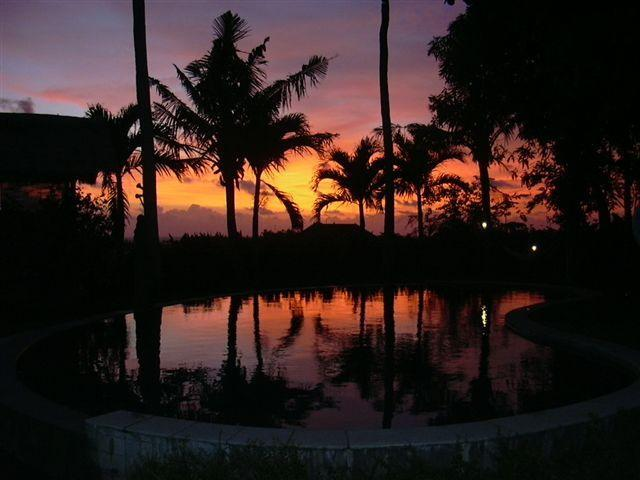 guardare il tramonto dalla veranda della casa