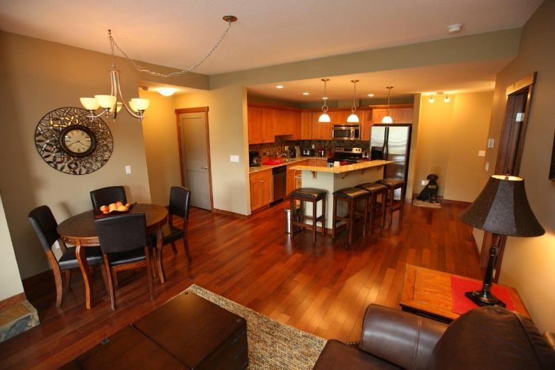 Canmore Place Condo, holiday rental in Canmore