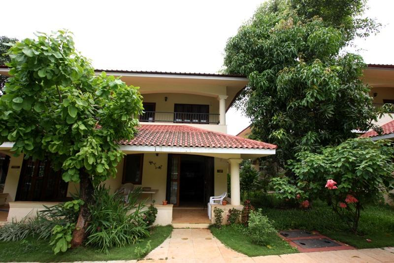 Luxury Holidays Villa in North Goa Close to 7 Beaches, holiday rental in Parra