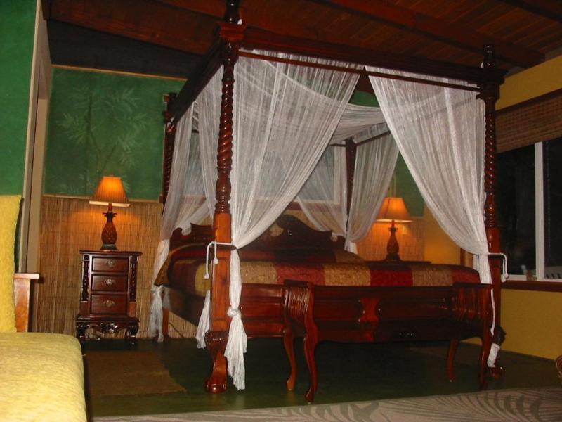 Meubles en teck indonésien offre un confort tropical romantique