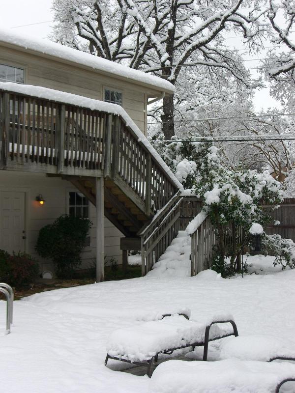 A rare winter 2012 (shovel provided :))