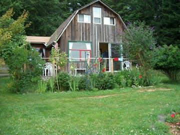 Bold Point Farmstay Cottage, holiday rental in Quathiaski Cove