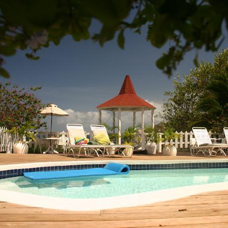 Villa Capri in St. Lucia zwembad en de Gazebo