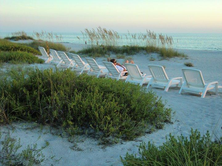 Beachfront Unit 4, Cozy Getaway for two, holiday rental in Longboat Key