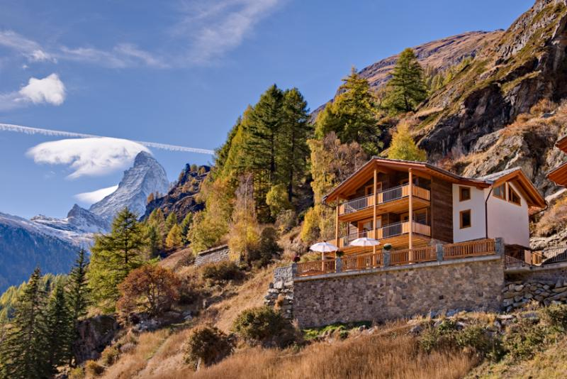 Chalet Gemini Mountain Exposure Zermatt - Serviced,independent,Sauna,Hot Tub, location de vacances à Valais