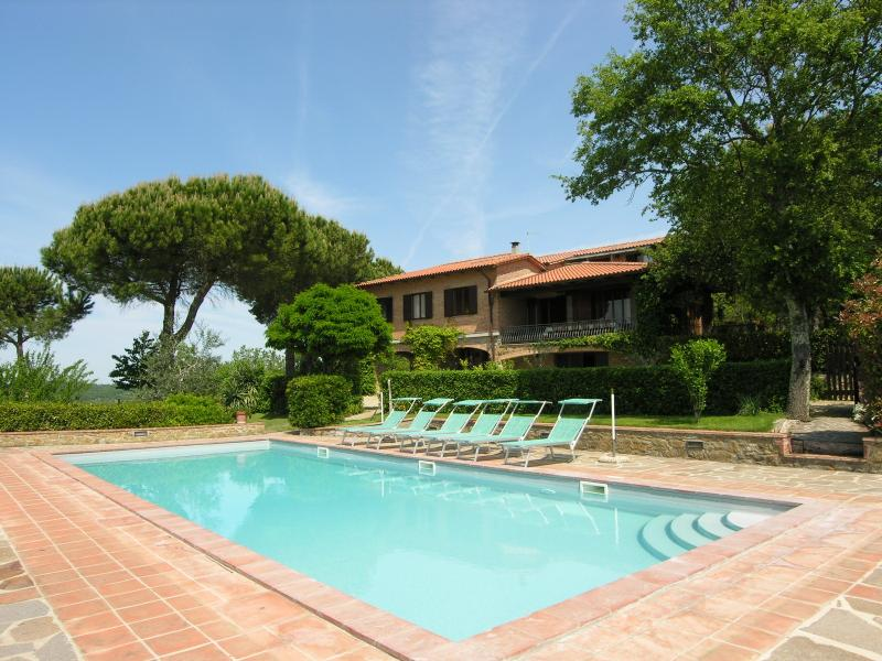 Aiola Holiday Home Sleeps 10 with Pool and WiFi - 5227180, location de vacances à Vagliagli