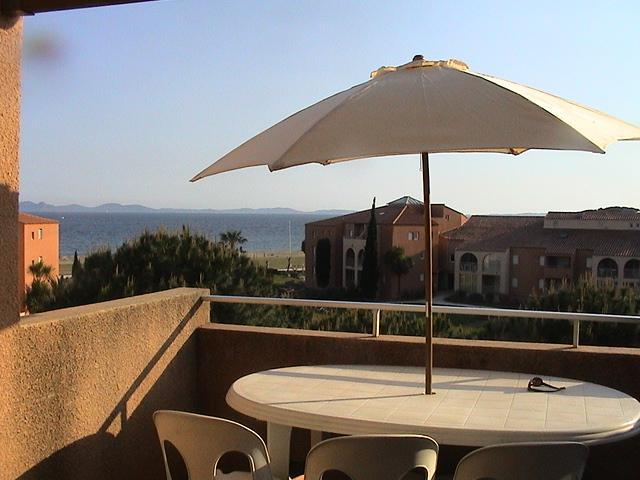 Flat Overlooking The Sea, vacation rental in La Londe Les Maures