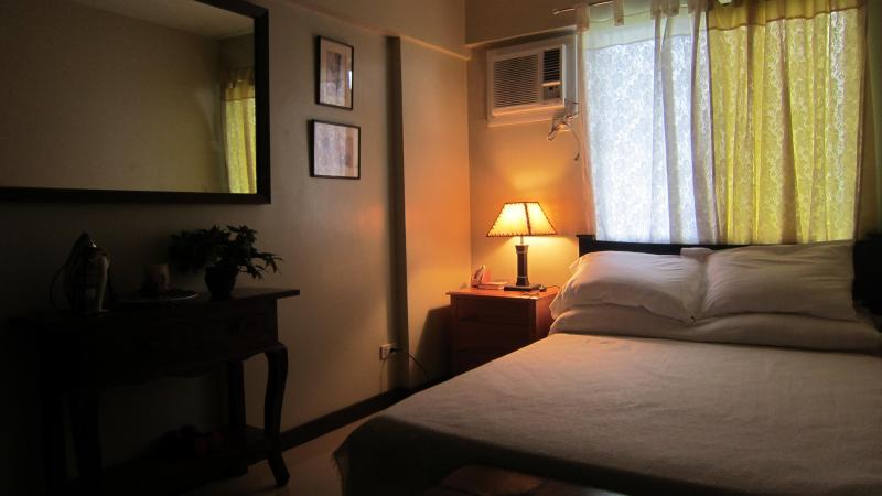 2BR Apartment n Manila, vacation rental in Antique Province