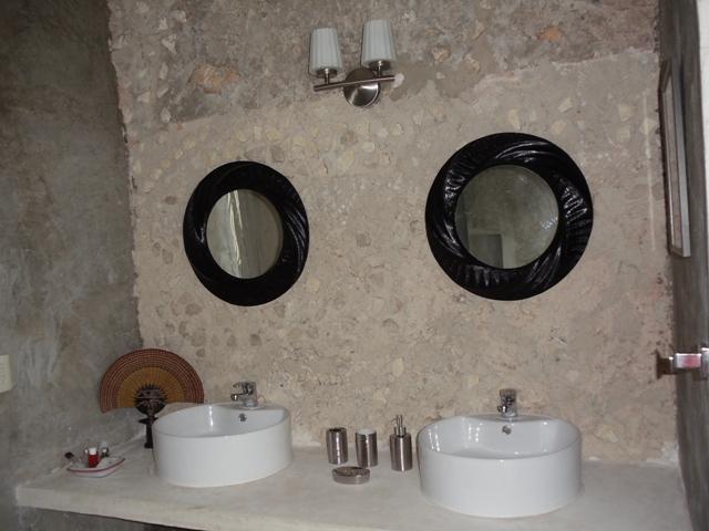 Salle de bain noir et blanc