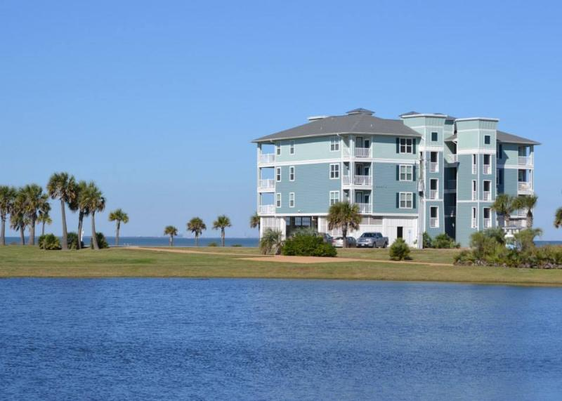 Beautiful Waterfront Condo in Handicap Accessible Building