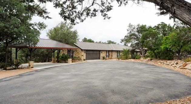 Resort Quality Home with Private Pool in Beautiful Hill Country, location de vacances à New Braunfels
