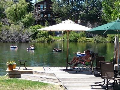 Downtown Riverfront Cottage, holiday rental in Central Oregon