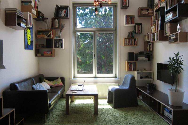 Living room with a view to a Botanical Garden