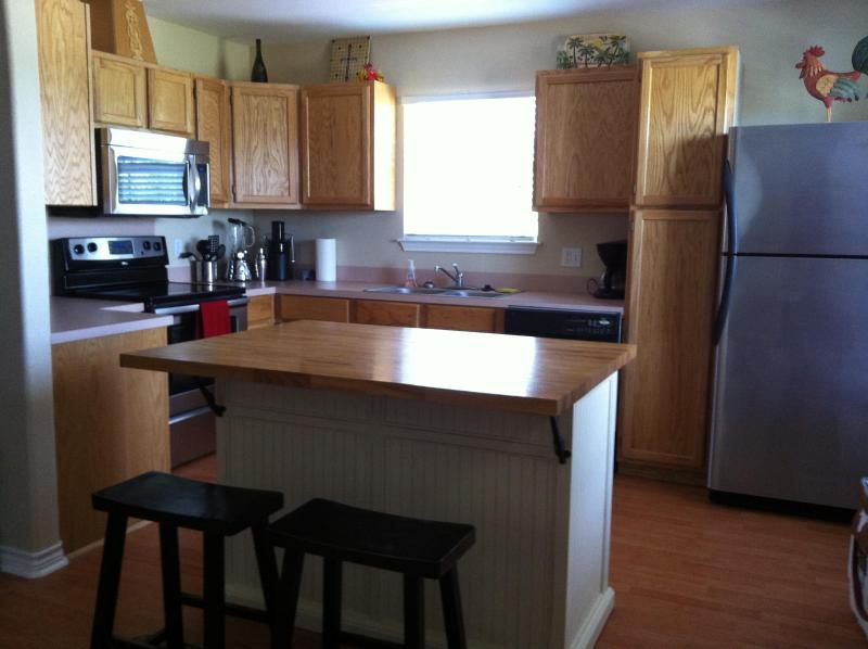 Fully furnished and functional kitchen