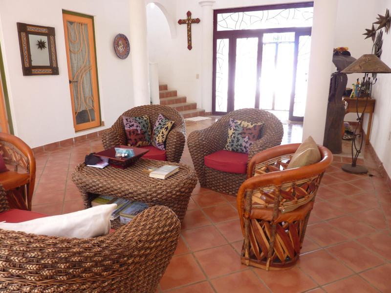 Villa de Vientos:  Artistic 4BR/4BA Villa, location de vacances à Bucerias