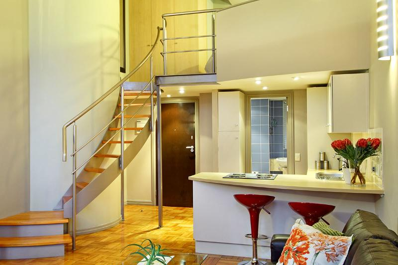 Mutual 811 Apartment