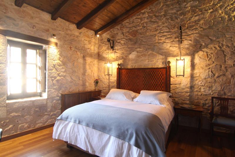 Villa Vager Triple Room, holiday rental in Kleitoria