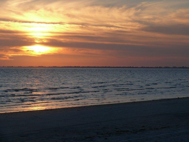 Airy Beach Apartment - Safe, Sanitized, and Private, holiday rental in Fort Myers Beach