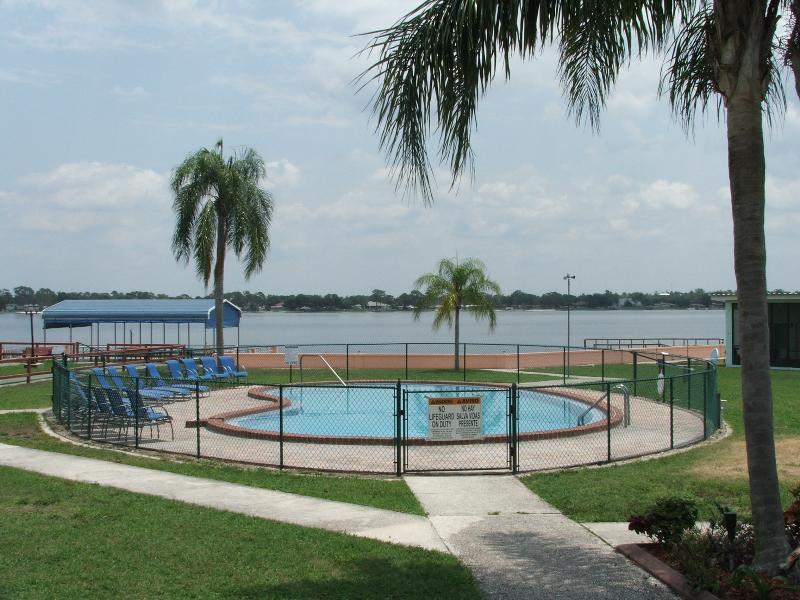 Lake Blue Resort on Lake Clay--Lake Placid, Florida, holiday rental in Lorida