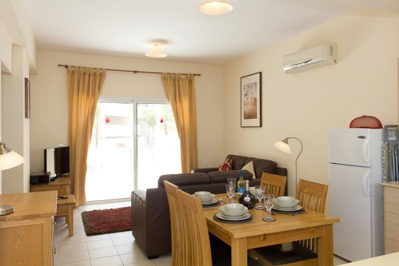 Kira Apartment - 85310, holiday rental in Dherinia