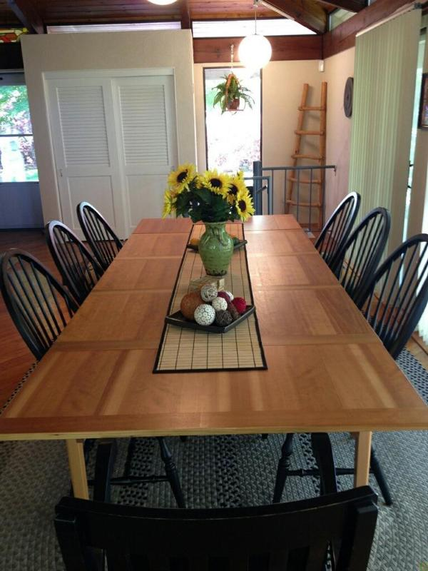 Guest house dining table