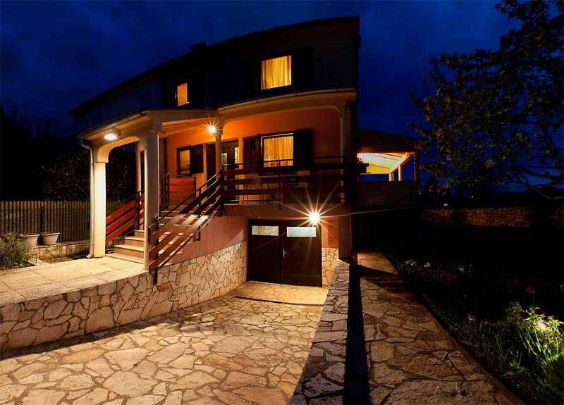 Istria Fazana Villa Bianca 400 m from the sea, holiday rental in Fazana