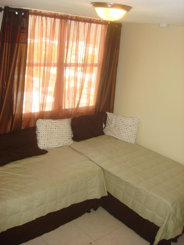 3a camera da letto con 2 letti singoli