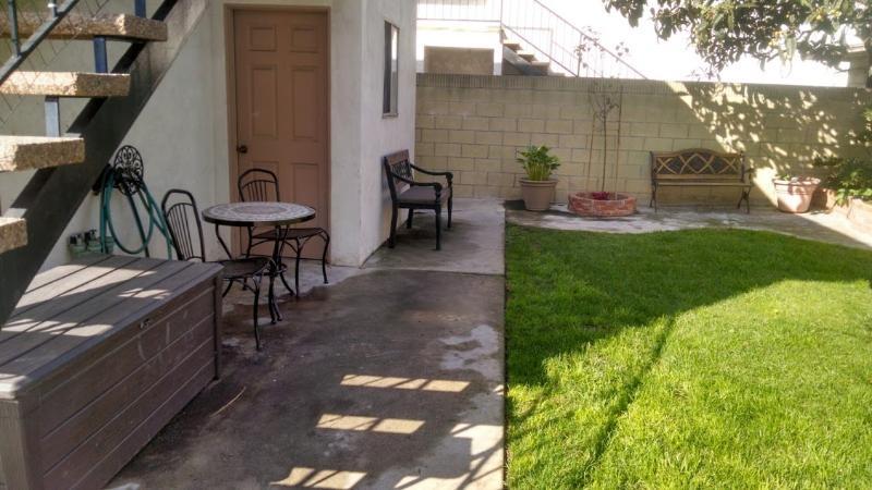 Détente d'endroits pour s'asseoir et profiter du climat de la Californie du Sud.