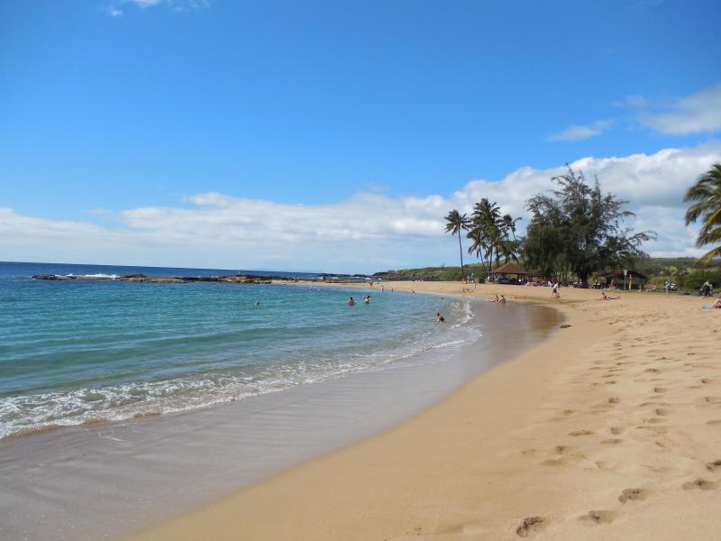 Salt Pond Beach, una playa bonita y tranquila en el lado oeste de Kauai.  Entra aquí para escapar de todo.