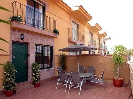 Murcia Spain - Luxury Townhouse Air Con, Free Wi-fi, Pool and in walking distance to the beach., aluguéis de temporada em Santiago de la Ribera
