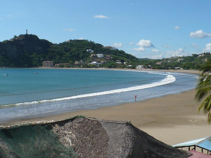 Secure, centrally located HOUSE in-town!  3 blks to beach, Ferienwohnung in San Juan del Sur