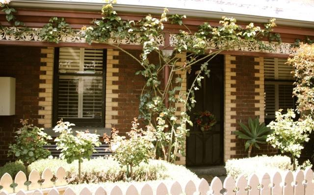 Elegant Suite on the Edge of Melbourne CBD