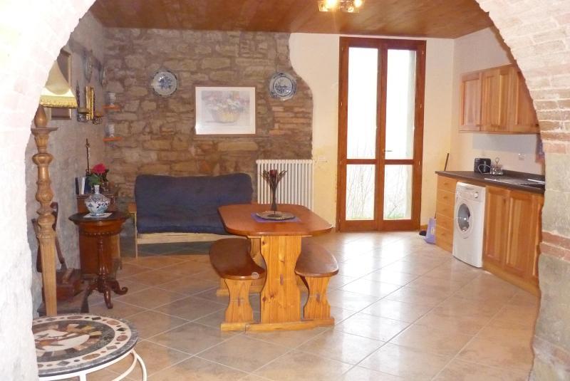 Old River Farm Holiday Apartment Tredozio Italy, alquiler vacacional en Dovadola