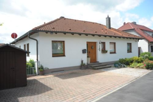 Vacation Apartment in Oberasbach - 377 sqft, quiet, central, modern (# 4941) #4941