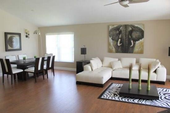 7931GP. Ultra Modern 4 Bedroom Pool Home In Rolling Hills, holiday rental in Four Corners