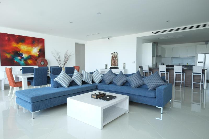 3 Bedroom Seaview Penthouse Surin Beach 271m2, holiday rental in Bang Tao Beach