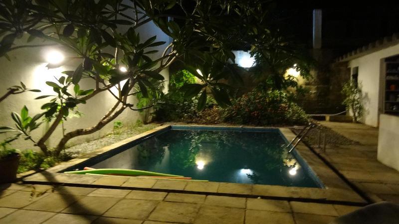 pool by nigth