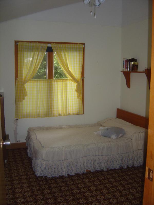 Habitación con cama full