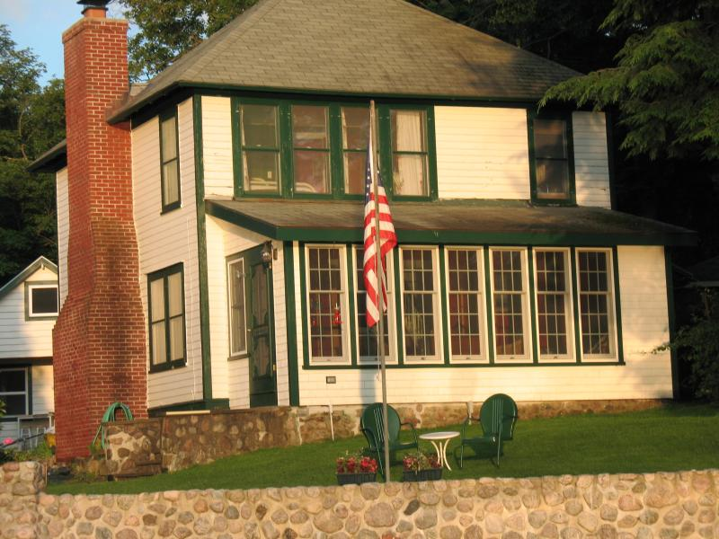 Historic Adirondack Lakefront Home, holiday rental in Star Lake