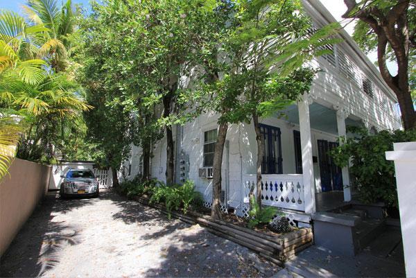 Bahama House - Off-Street Parking
